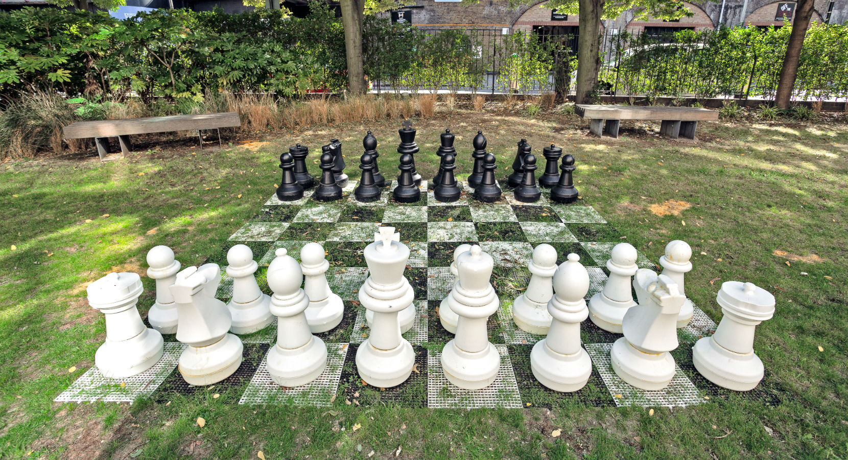 Gradpad London Griffon Studios Outdoor Chess Set